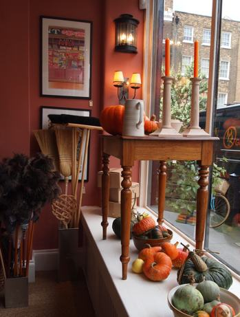 ben pentreath utility room simplepretty. Black Bedroom Furniture Sets. Home Design Ideas
