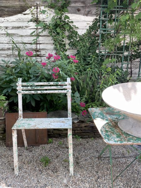 garden furnishings at red chair on warren | simple pretty